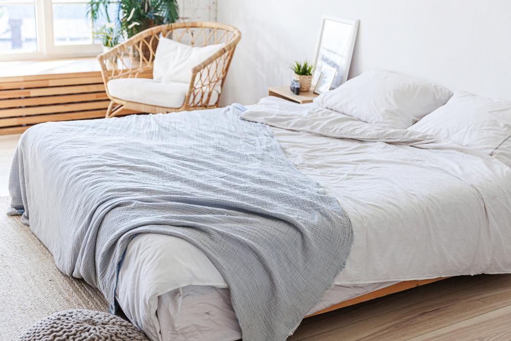 Cómo se debe sujetar el colchón al somier